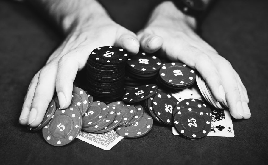 EOS-based gambling dApp EOSBet hacked; $338,000 stolen from operational wallets