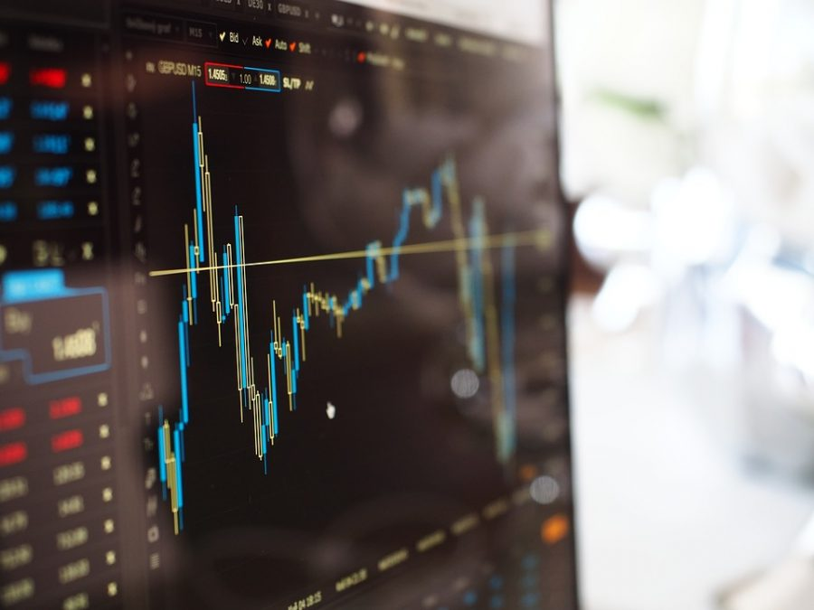 Bitcoin [BTC] surges above strong resistance at $4,000 before falling victim to market correction