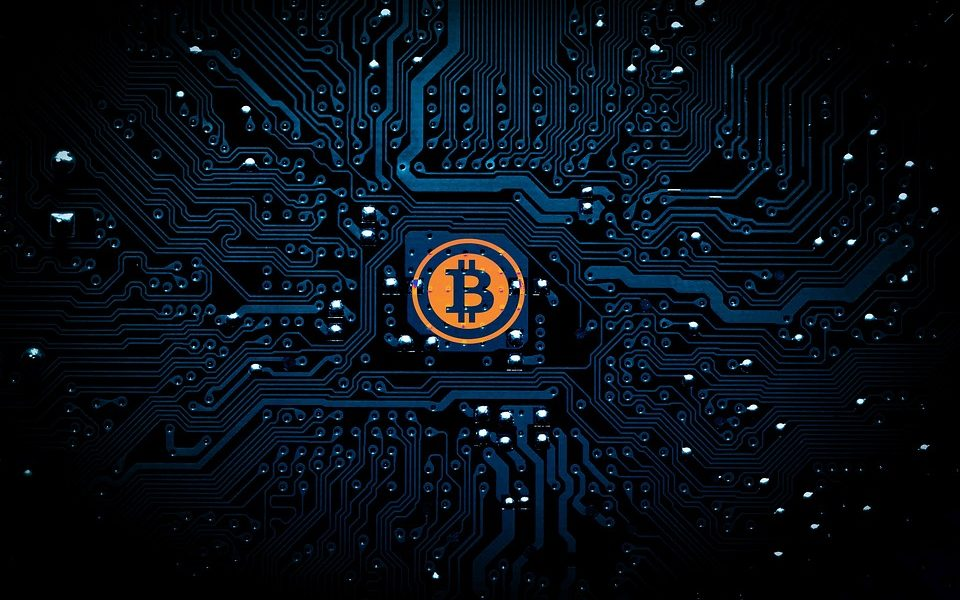 Bitcoin's relative traceability has allowed governments to become comfortable with it, says Erik Voorhees thumbnail